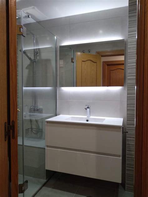 Baño reformado, mueble lavabo y espejo retroiluminado led ...
