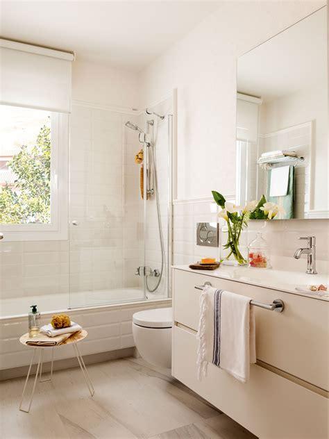 Baños en blanco