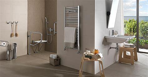 Baños más accesibles con las ayudas pasivas de Porcelanosa ...