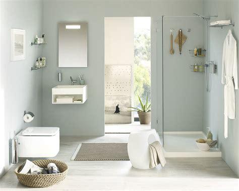 Baños pequeños, aprovecha las paredes | Decoración