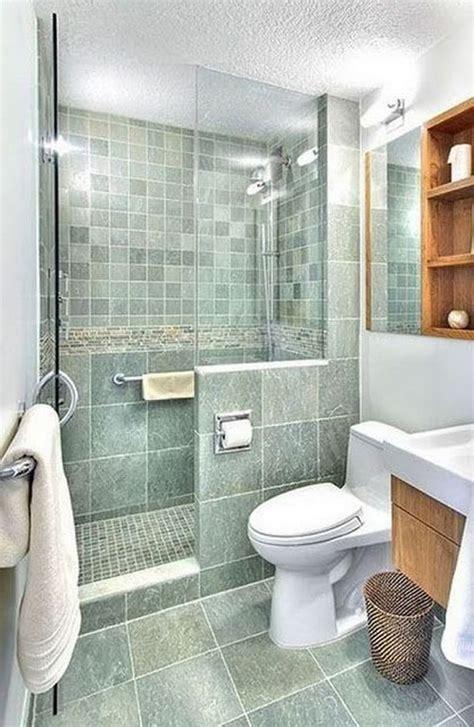 Baños pequeños con ducha. Ideas para reformar baños 2021.