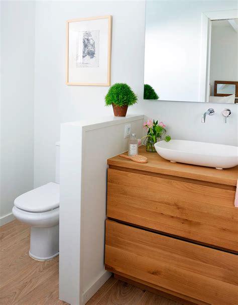 Baños pequeños con ducha muy completos