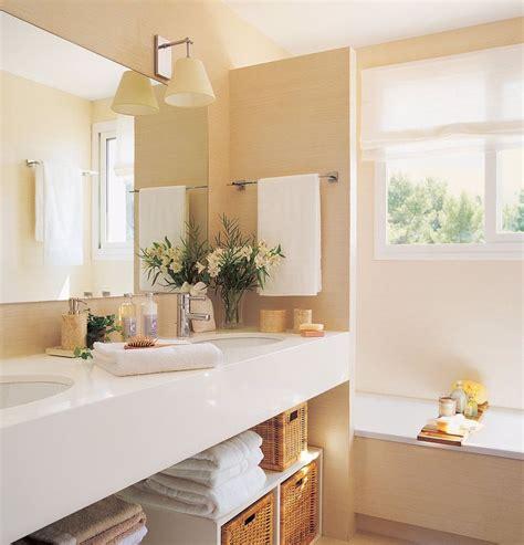 Baños pequeños con sitio para todo · ElMueble.com ...