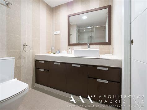 baños pequeños, muebles lavabo de madera y encimera de ...