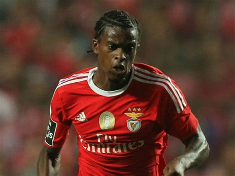 Barcelona agree deal to sign Benfica and Portugal right ...