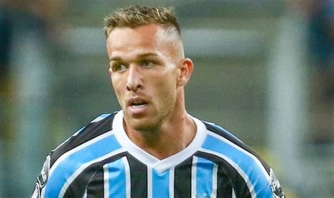 Barcelona confirm signing of Arthur Melo from Gremio ...