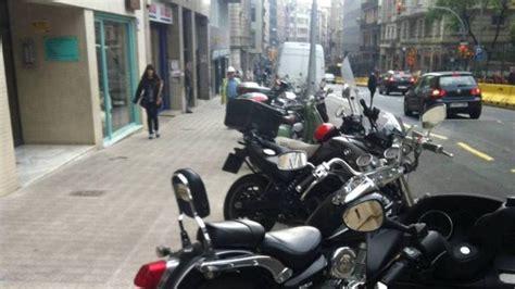 Barcelona limitará el aparcamiento de motos en Balmes