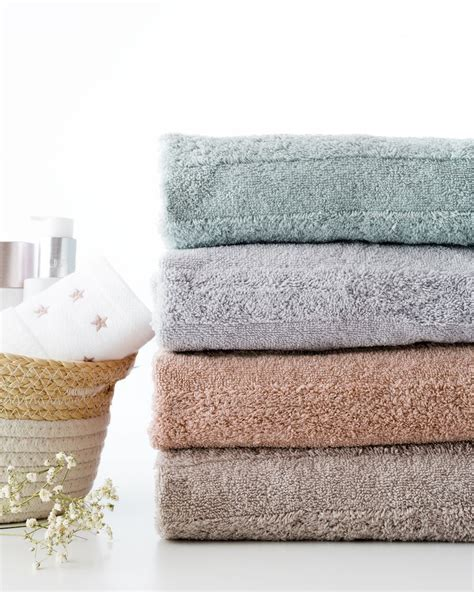 Basic set de toallas rosa | Toallas, Kenay home, Rosas