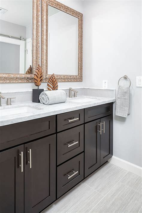 Bathroom Remodeling With Premium Quality Cabinets ...