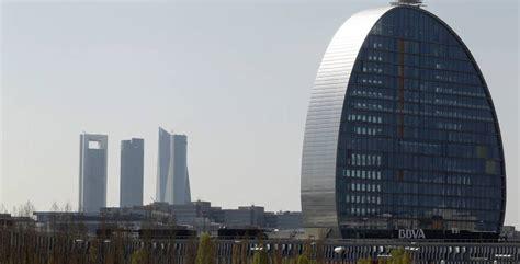 BBVA cerrará 132 oficinas en España ante el mayor uso de ...