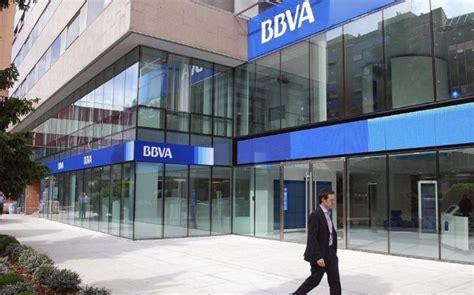 BBVA estudia recortar 2.000 empleos en su red y servicios ...
