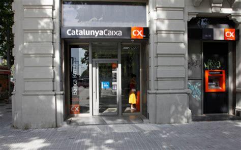 BBVA plantea el cierre de 400 oficinas de CatalunyaCaixa y ...