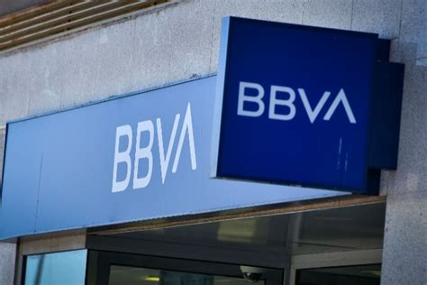 BBVA reabre 250 oficinas y llega al 55% de la red   Banca