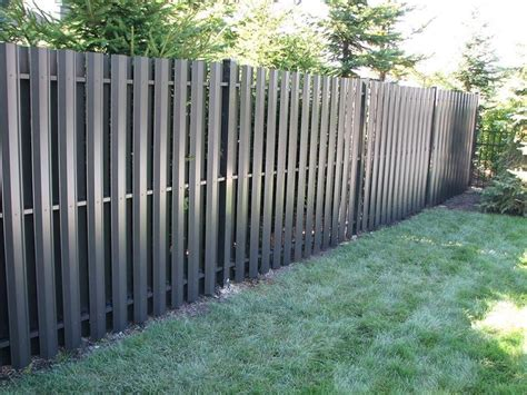 Beautiful aluminum privacy fencing that is maintenance ...