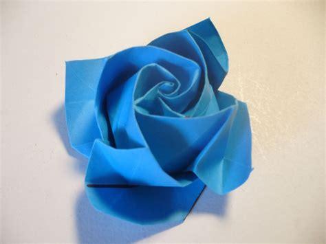Beautiful Blue Origami Rose | AllFreePaperCrafts.com
