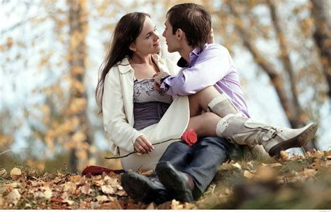 Beautiful love couple wallpapers images HD photos 2018