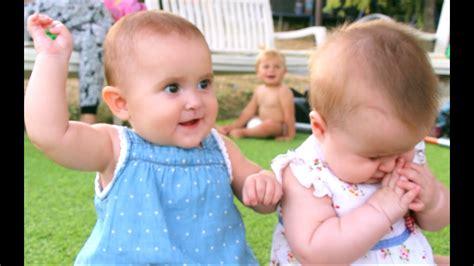 Bebés gemelas   LA PELEA MÁS TRISTE  O ADORABLE  Mellizas ...