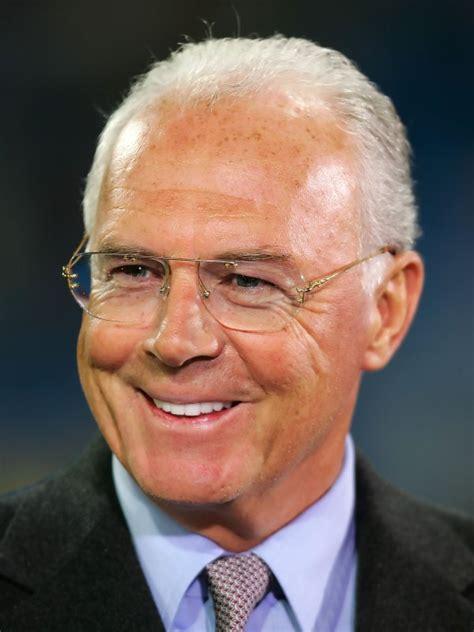 Beckenbauer Vizepräsident in FIFA Frauen Kommission :: DFB ...
