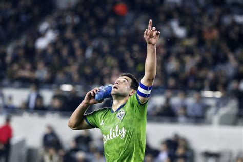 Behind Raul Ruidiaz, Sounders roll into MLS Cup final with ...