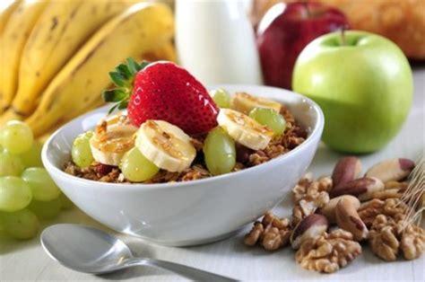 Benefícios de uma dieta rica em Fibras   InfoEscola