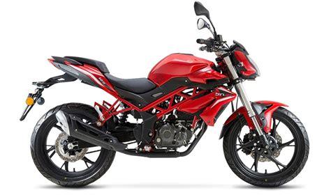 Benelli BN 125   Moto   Naked   Andar de Moto