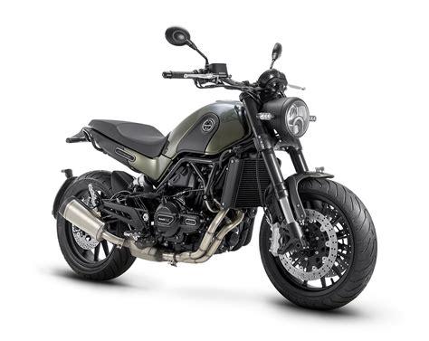 Benelli Leoncino 500   Moto   Scrambler   Andar de Moto