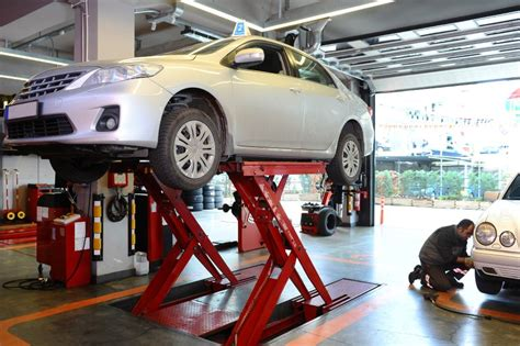 Best Car Lifts For Home Garages Of 2020   [TOP 6] Reviews