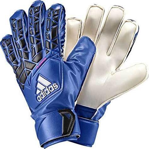 Best Goalkeeper Gloves Reviews of 2019   Goalie gloves ...