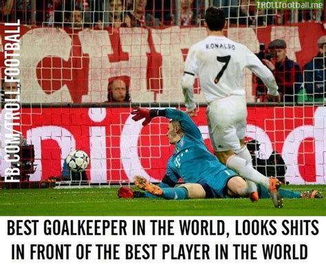 Best goalkeeper in the world in front of best player in ...