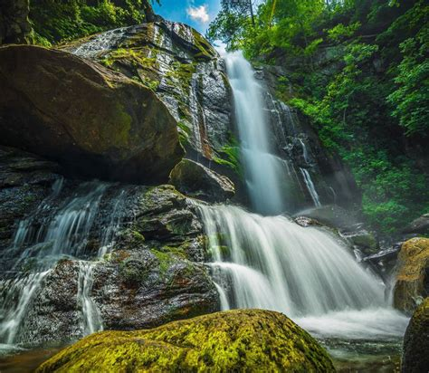Best Hiking Trails Near Me With Waterfalls   ReGreen ...