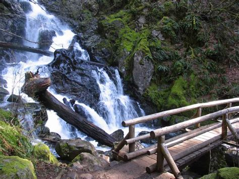 Best Spring Waterfall Hikes Near Portland – Author Paul Gerald