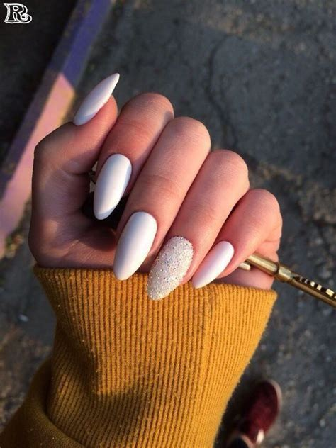 Best & Top Oval Nails or almond shaped nails #almondshaped ...