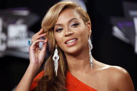 Beyonce canta música cristiana en los Grammy
