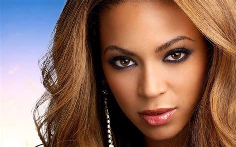 Beyoncé canta música gospel na premiação do Grammy 2015 ...
