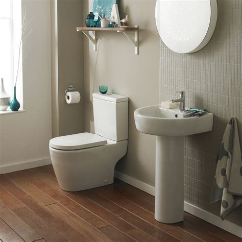 Bianco Close Coupled Toilet with Soft Close Seat at ...