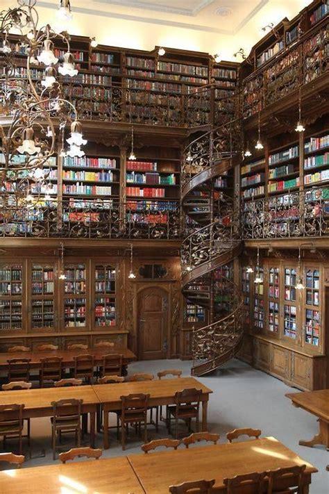 Biblioteca Jurídica de Munich construida por Georg von ...