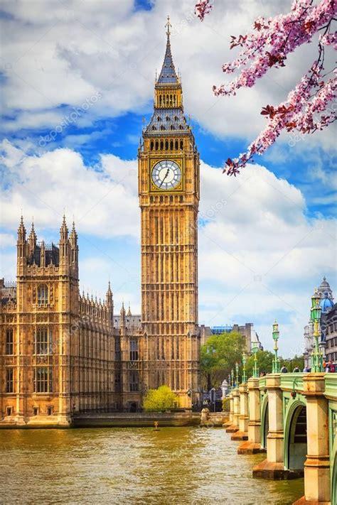Big Ben in London at spring — Stock Photo  sborisov ...