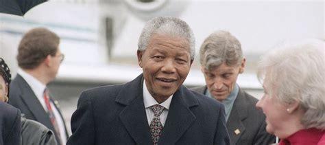 Biografía corta de NELSON MANDELA   Vida y obra del líder ...