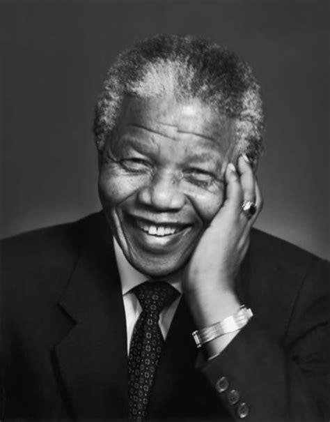 Biografia de Nelson Mandela   eBiografia