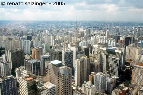 Bird s eye view of São Paulo, overflying Paulista Av ...
