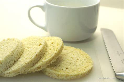 Bizcocho de almendra y coco sin azúcar al microondas | MUY ...
