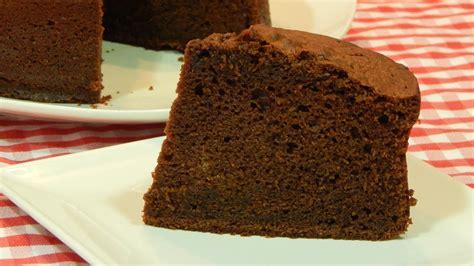 Bizcocho de chocolate esponjoso receta fácil paso a paso ...