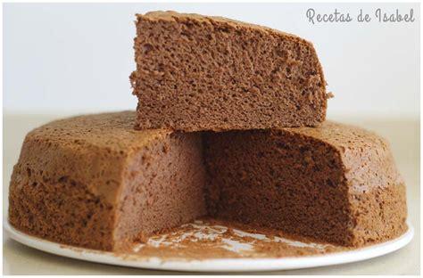 Bizcocho de chocolate esponjoso y alto   Recetas de Isabel