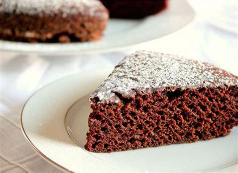 Bizcocho de chocolate, la receta FÁCIL perfecta   Pequerecetas