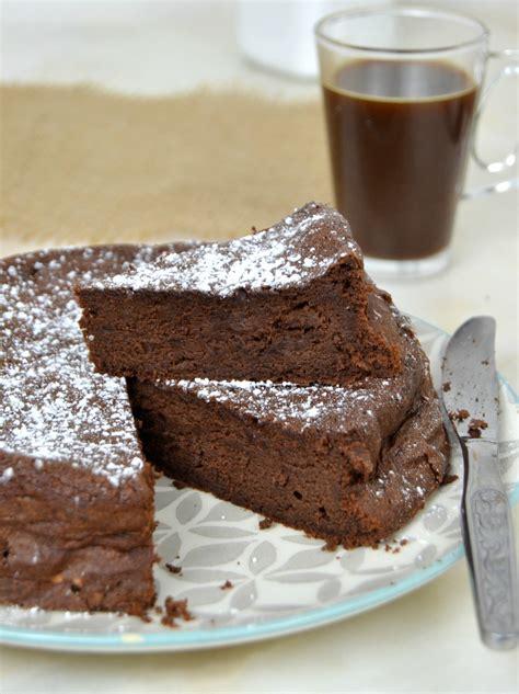 Bizcocho de chocolate sin harina ¡Con solo 3 ingredientes ...