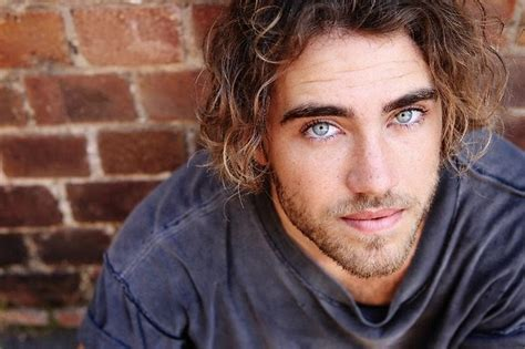 Blog de música: Matt Corby  Ha nacido una estrella