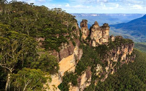 Blue Mountains and Katoomba   west of Sydney, NSW