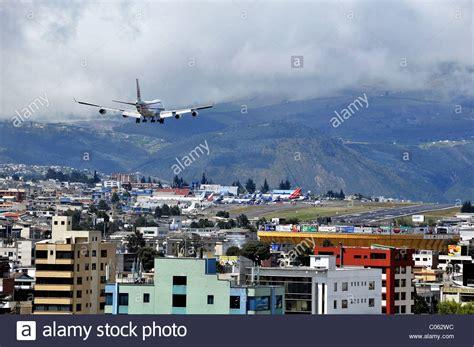 Boeing 747 landing at Mariscal Sucre international airport ...