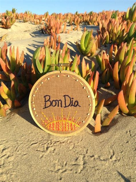 Bon Dia: Catalan Embroidery Hoop   Catalanes, Disenos de ...