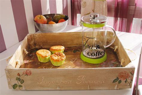 Bonita bandeja para el te, reciclando y decorando una caja ...